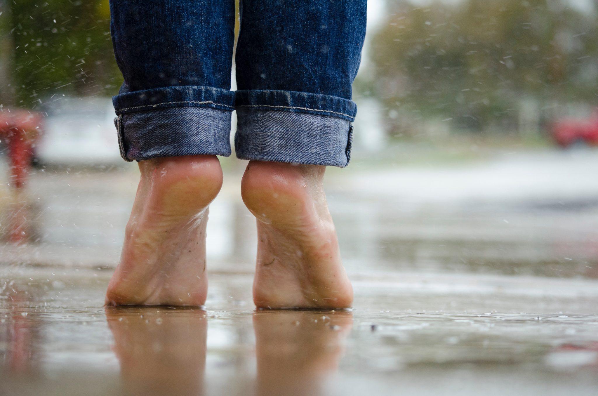 feet-rain-wet-puddle-105776